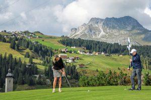 Der Golfplatz Lech als eine Spielwiese der Natur im Zugertal